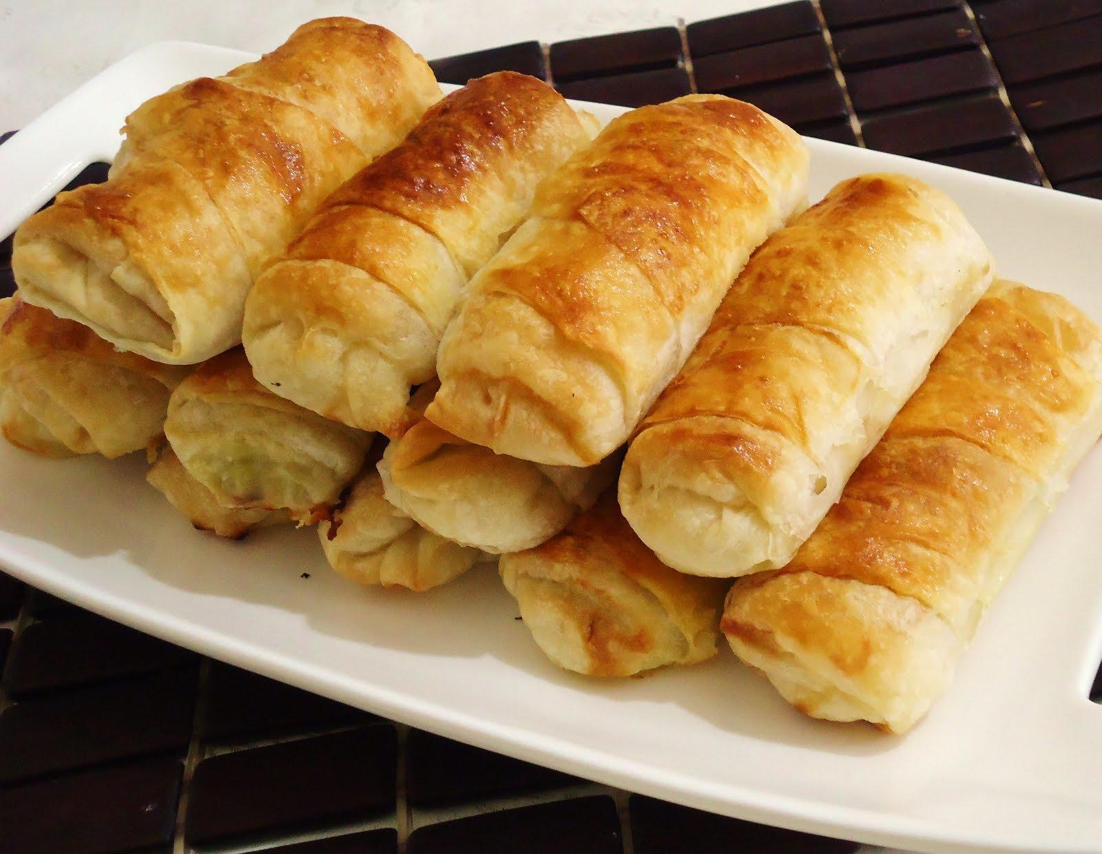 Evde kolay kıymalı börek nasıl yapılır