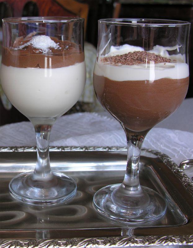 Çikolatalı ve Çilekli Tatlı  Tarifi