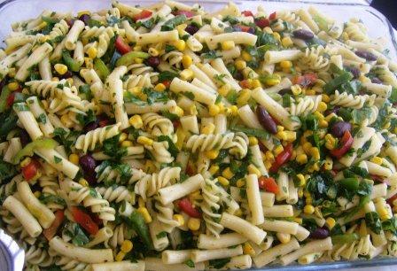 makarna salatasi1 Biberli Makarna Salatası