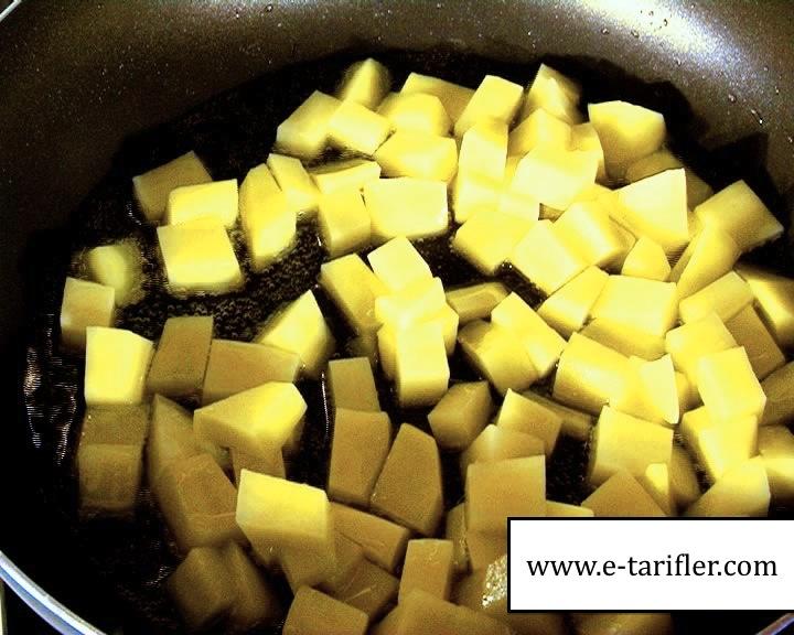 Patatesli Omlet Tarifi 6