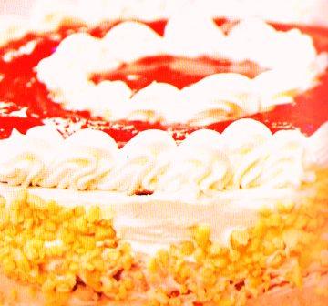 çilekli fındıklı pasta tarifi fotosu resmi