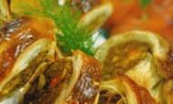 Milföy hamurlu köfteli börek Tarifi
