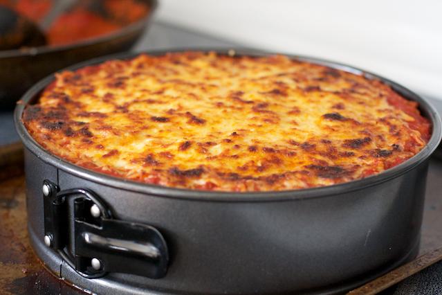 Mozzarella Peynirli-Kıymalı Makarna Pastası Tarifi 7