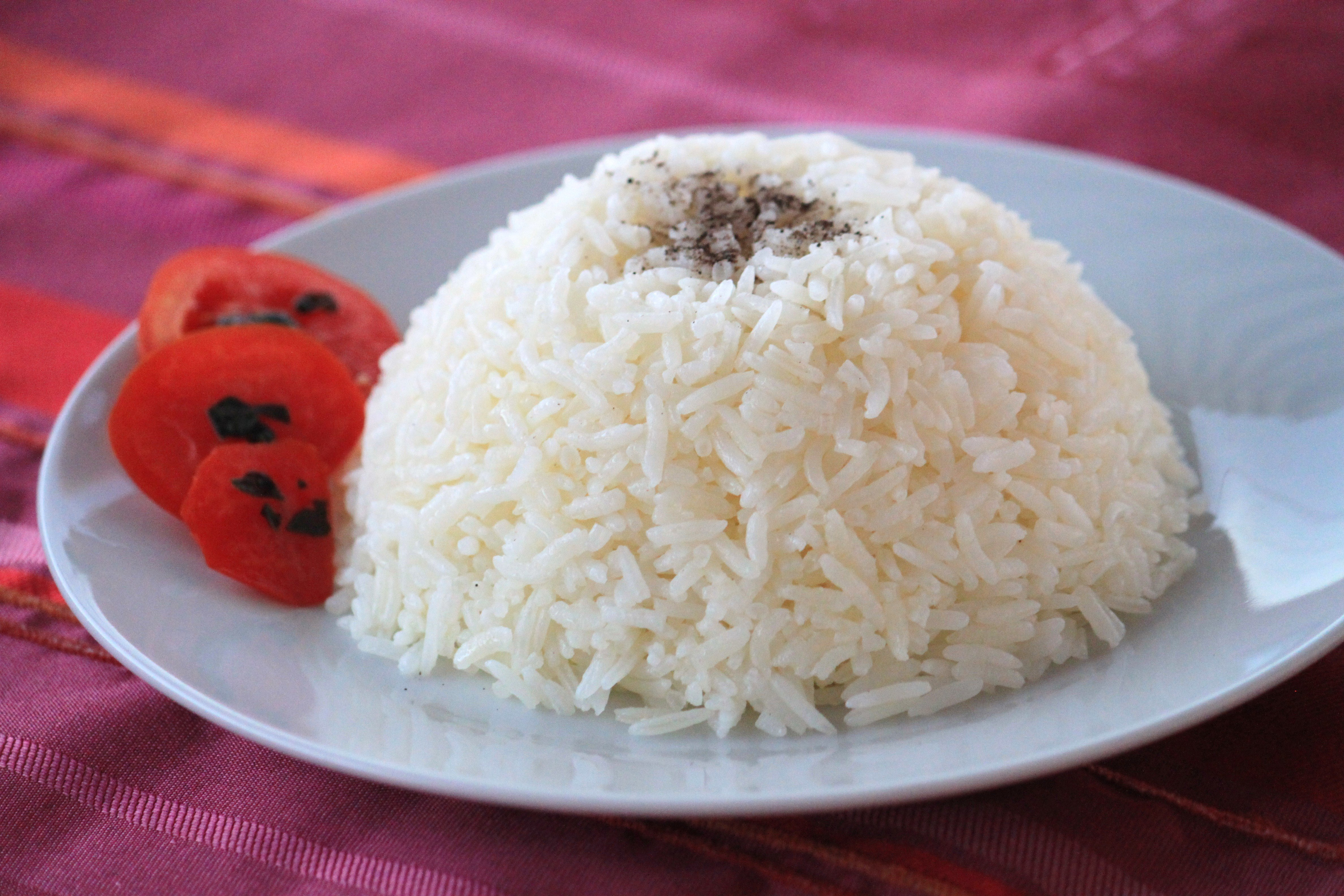 Sade Pirinç Pilavı Tarifi