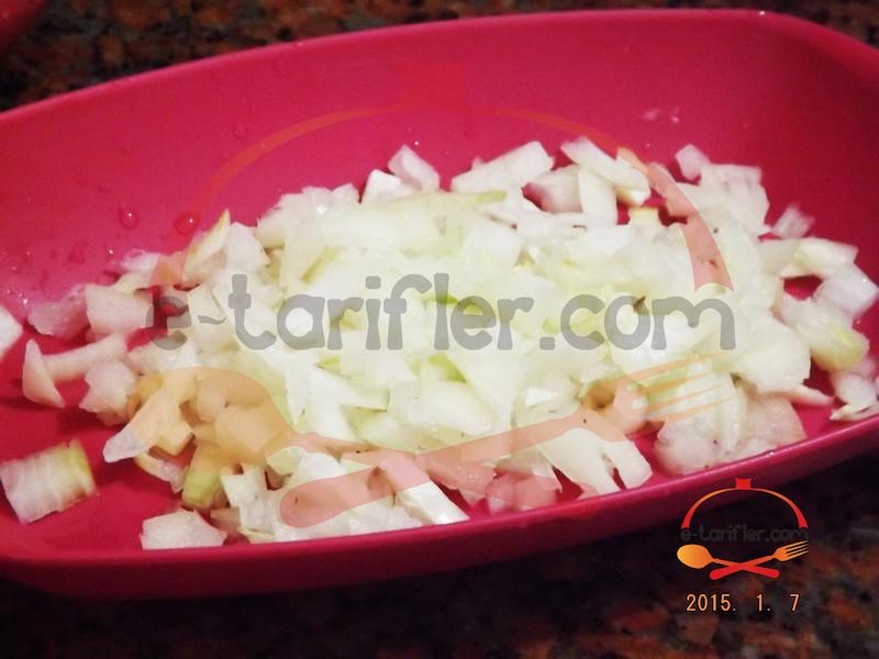 Bezelyeli Patates Yemeği Soğan