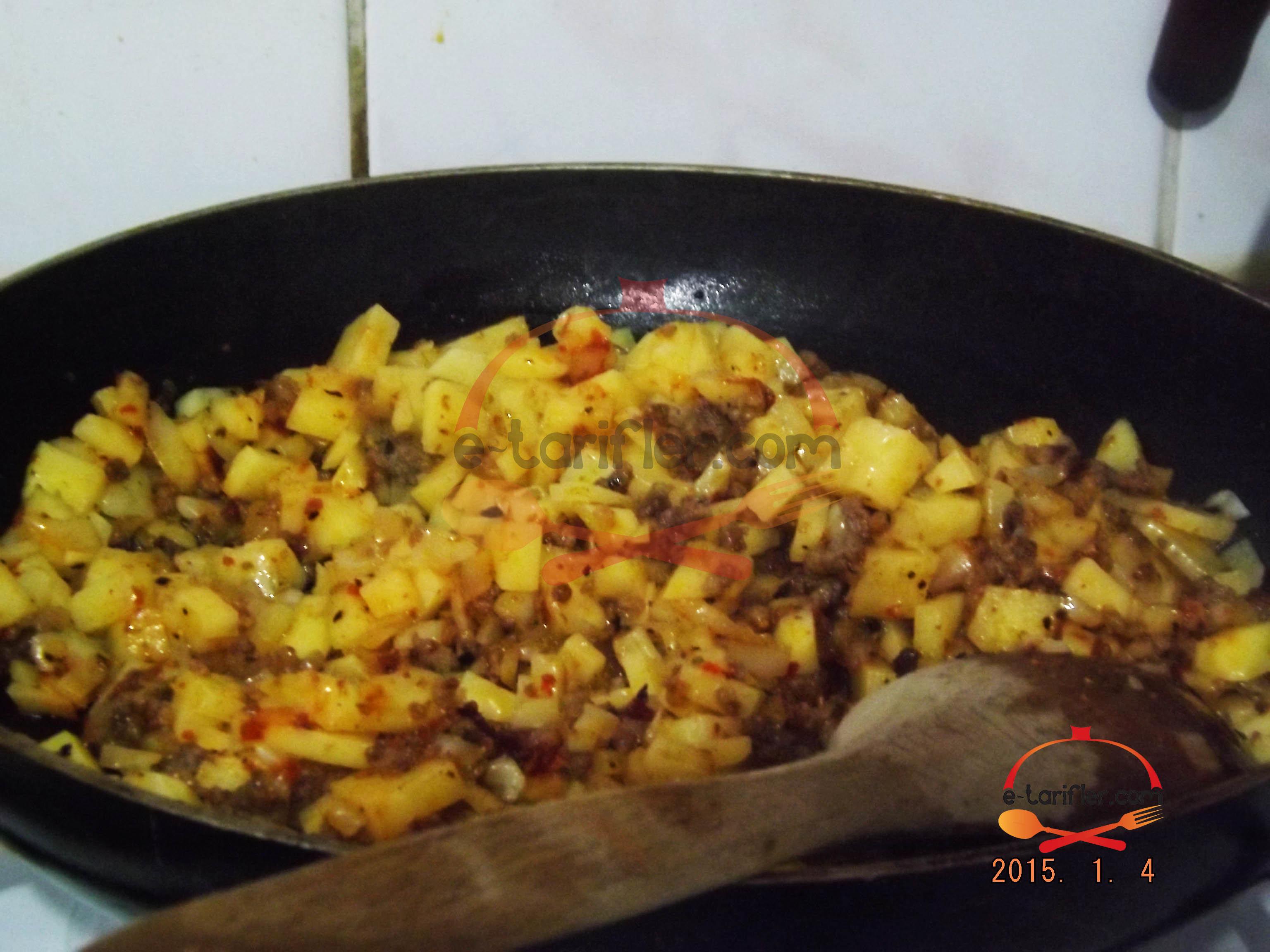 Patatesli ve Ispanaklı Kömbe 2