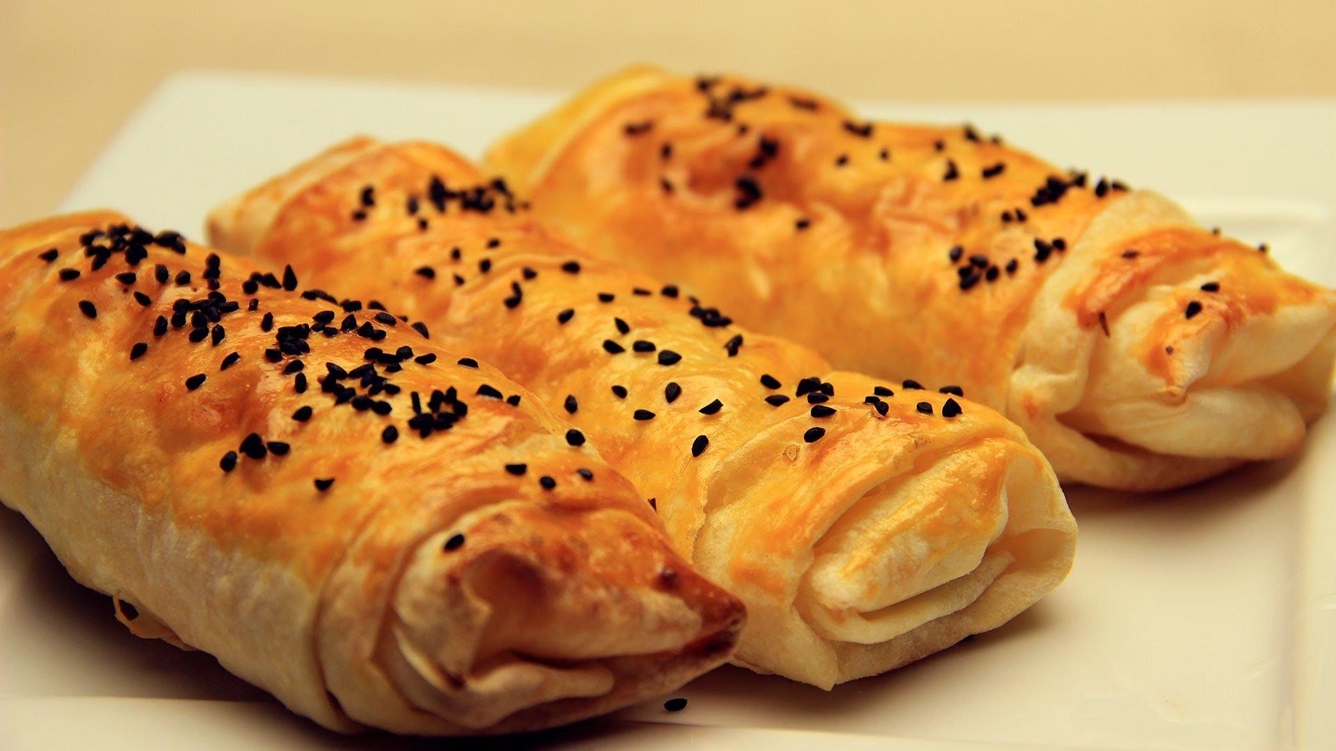 Peynirli Rulo Börek Tarifi