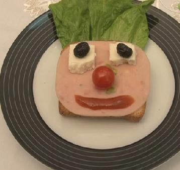Çocuklar için eğlenceli sandviç tarifi-resmi