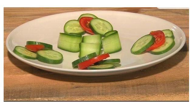 Tabak Süsleme -Salatalığa nasıl şekil verebiliriz?