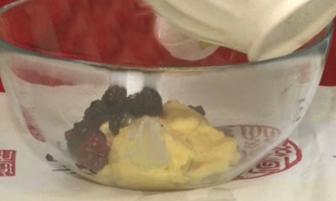 Meyveli Pasta Krema Tarifi