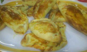 Sucuklu gevrek börek Tarifi